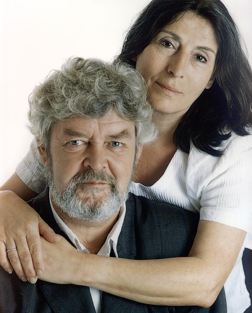 "<a href=""http://es.wikipedia.org/wiki/Xosé_Manuel_Beiras"">Xosé Manuel Beiras</a> y Aurichu Pereira"