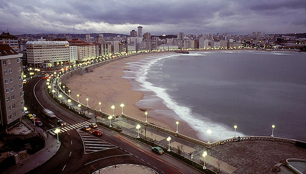 "<a href=""http://es.wikipedia.org/wiki/La_Coruña"">A Coruña</a>"