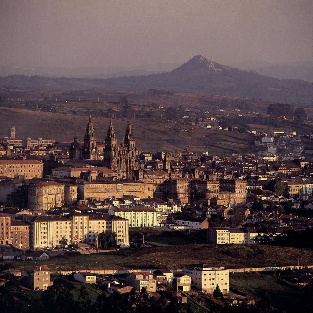 "<a href=""http://es.wikipedia.org/wiki/Santiago_de_Compostela"">Santiago de Compostela</a>"