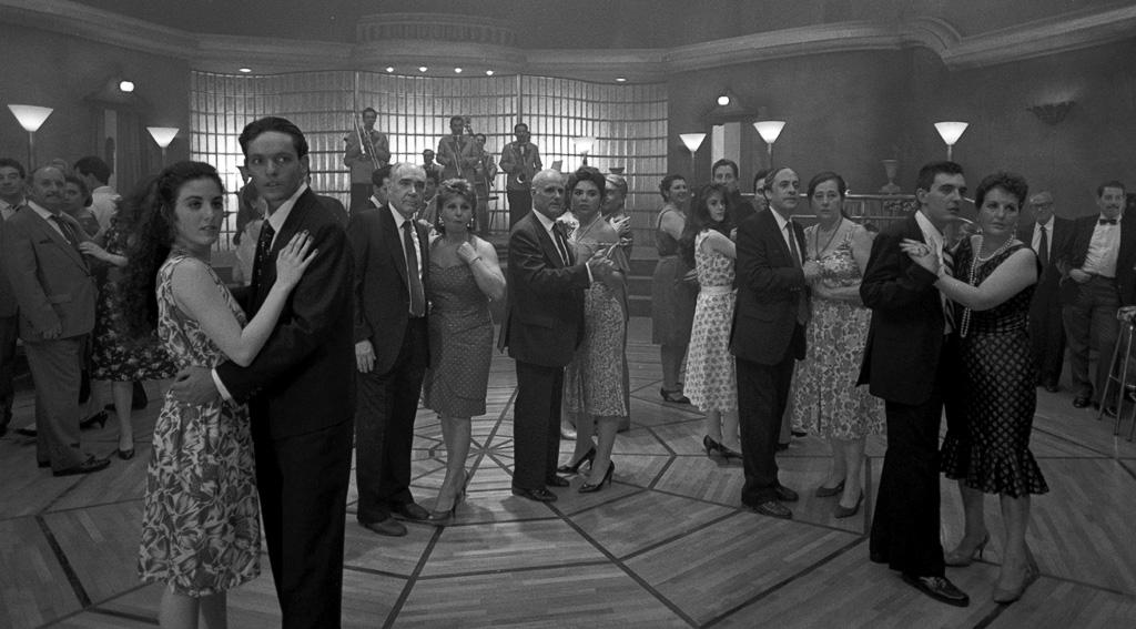 "<a href=""http://www.filmaffinity.com/es/film598867.html"">Continental 1990</a> director <a href=""http://es.wikipedia.org/wiki/Xavier_Villaverde"">Xavier Villaverde</a>"